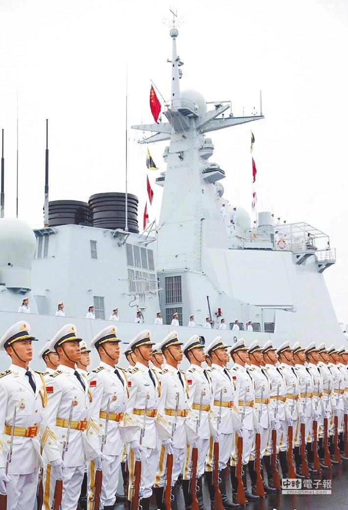 大陸海軍成立70周年海上閱兵於4月23日在青島舉行。