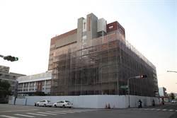 台東基督教醫院籌建癌症醫療大樓!韓星衣物拍賣助公益