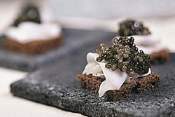陸魚子醬逆襲 攻上米其林餐廳