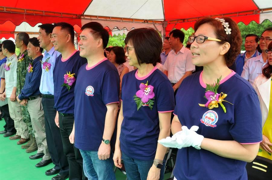 前台北市長郝龍斌夫婦專程代表出席,祝福新生代學子帶著勇氣和夢想起飛。(李金生攝)