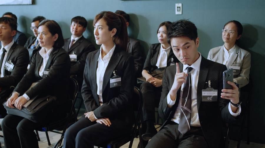 楊銘威回憶先前被通知有一部職人劇邀請他來飾演一個自我感覺良好的實習律師林學睿。(中天提供)