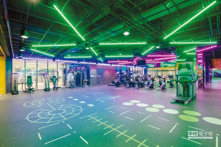 嘉藥首創全國夜店風運動中心,讓嘉藥生有更多元的休閒健身場地。圖/嘉藥提供