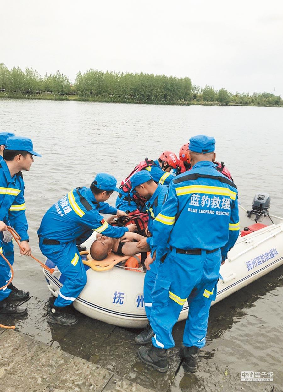 水上救援演練現場。(圖:舒曉燕)