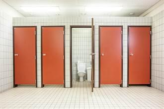 好尷尬!公廁竟沒裝「這個」 村民愣:拉不出來