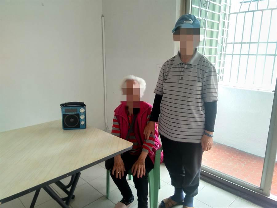 住涼亭的楊姓母女終於找到新的租屋處,被社會局緊急安置。(程炳璋翻攝)