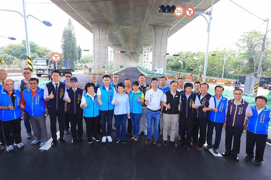 台中市長盧秀燕盼國4豐潭段加速完工,以利山海地區居民交通往來。(陳淑娥攝)