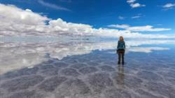 雨水襲最大鹽沙漠 意外現天空之鏡