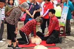 登飛鳳山病發致死1年2起 消防局向山友宣導CPR