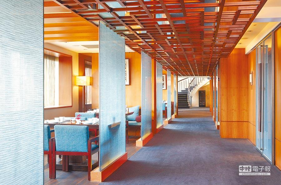 請客樓擁近300席座位,是台北米其林星級餐廳中少見的多座位數餐廳。(請客樓提供)