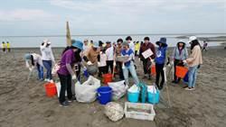 富宇企業志工日 環抱海洋淨灘總動員