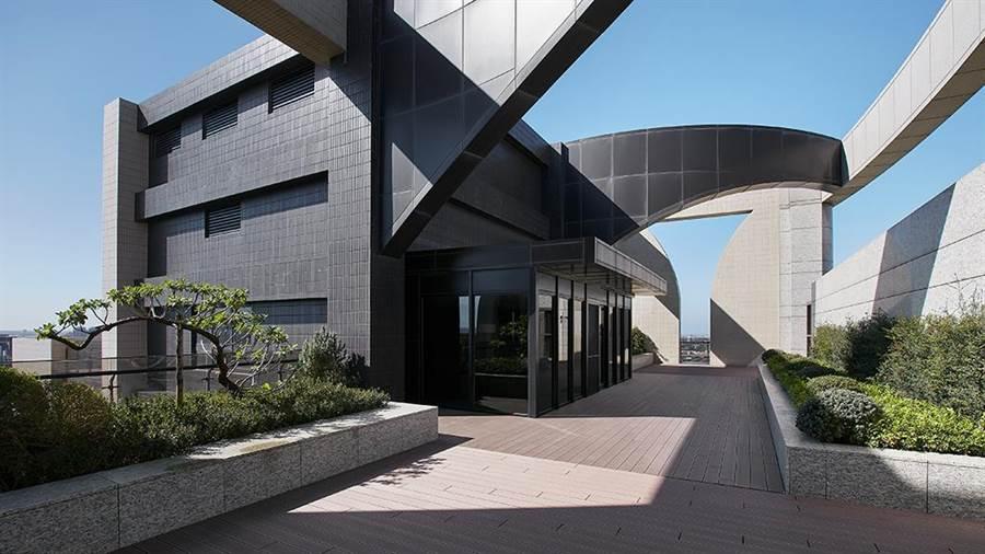 頂樓拱形飛簷天際線,整體外觀設計全面美學無死角。圖/業者提供