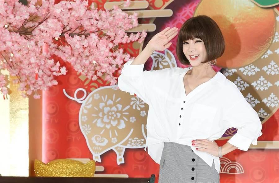 陳美鳳擁「台灣最美麗的歐巴桑」的美名,親民的她也樂於在網上分享生活大小事。(圖/本報系資料照片)