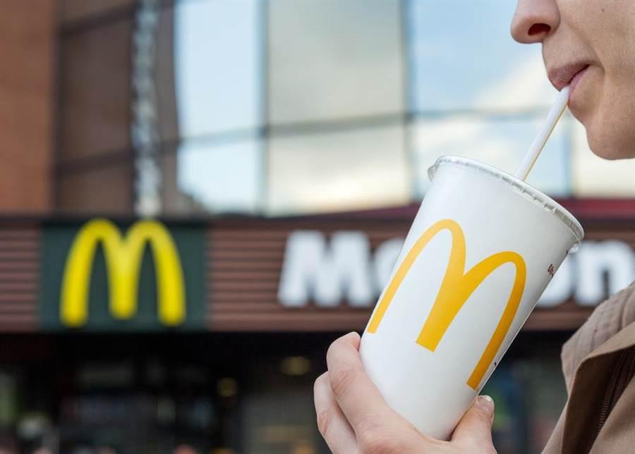 麥當勞停用塑膠吸管 網拍飆賣廿萬(示意圖/達志影像)