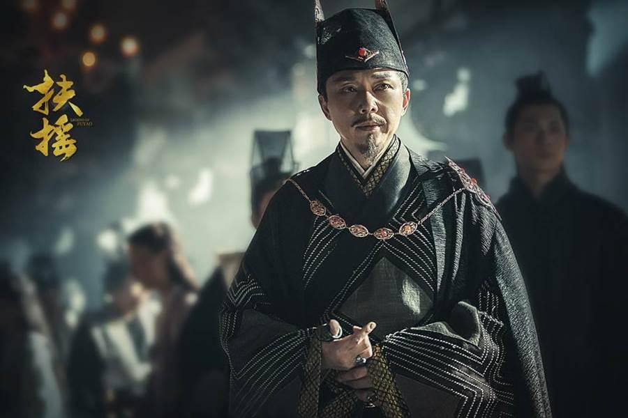 劉奕君在《扶搖》中飾演太淵國國公齊震。(中天提供)