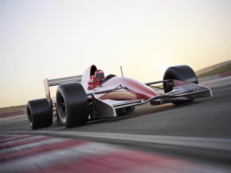 電競賽車手現實尬車!飆贏F1車手 評審看傻眼(示意圖/達志影像)