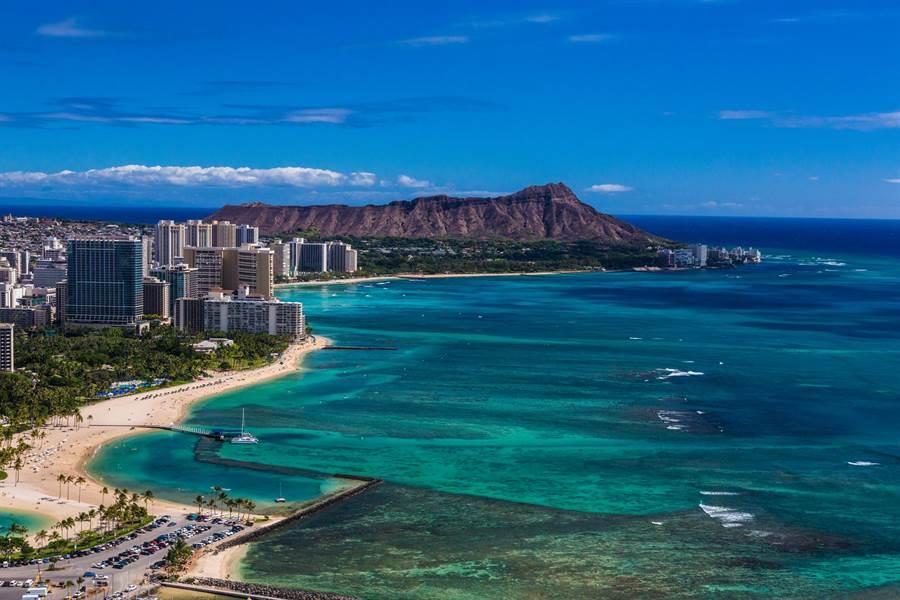 夏威夷連續多年被選為全球最佳蜜月度假島嶼。(夏威夷觀光局提供)