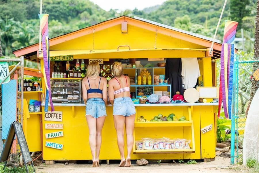 位於歐胡島北海岸的Haleiwa小鎮是衝浪愛好者的朝聖之地。(夏威夷觀光局提供)