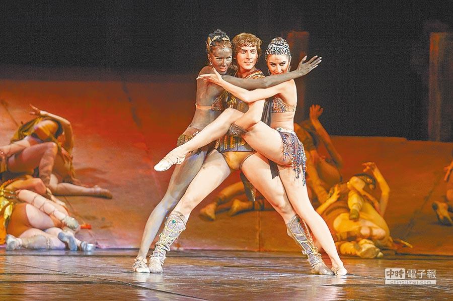 白俄羅斯國家模範大劇院芭蕾舞團帶來芭蕾舞名作《斯巴達克斯》。