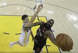 NBA》哈登延長進攻犯規 裁判漏判火箭勝
