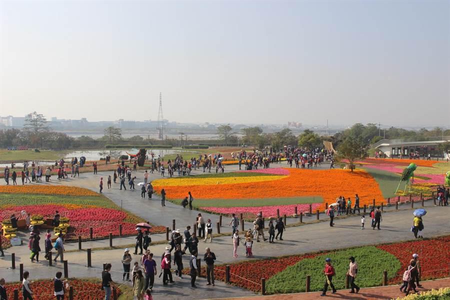 國際花毯節今年將移回新社,與花海一起合體登場。(本報資料照片)