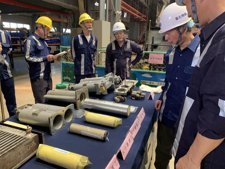 台铁今日举办主风泵检修教育训练。