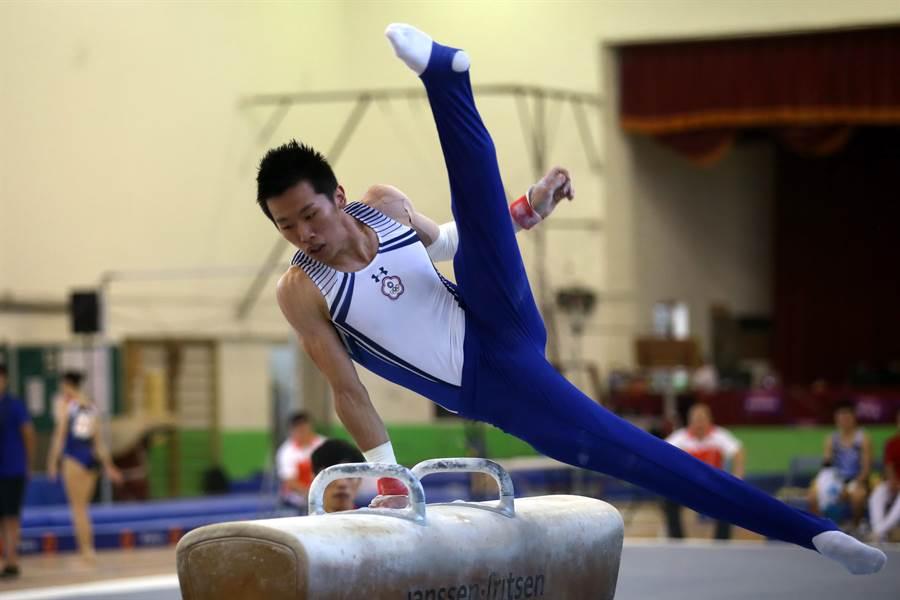 李智凱在拿手的鞍馬項目意外落馬,亞錦賽鞍馬決賽屈居第6。(資料照片/李弘斌攝)