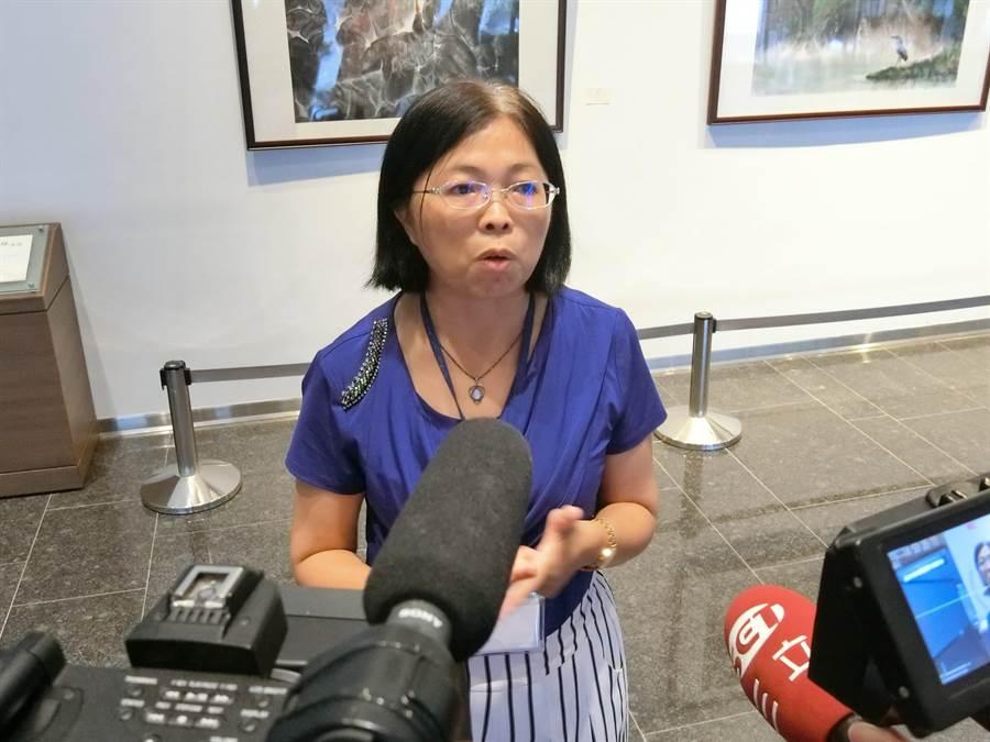 社會局社工科長陳麗華表示,目前已先幫阿嬤身體檢查後,安排阿嬤到霧峰區安置機構。(盧金足攝)