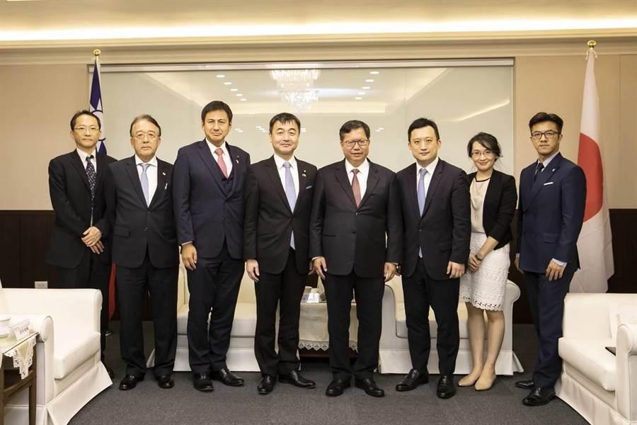 日本自由民主黨青年局長拜會桃園,展現友好。(甘嘉雯翻攝)