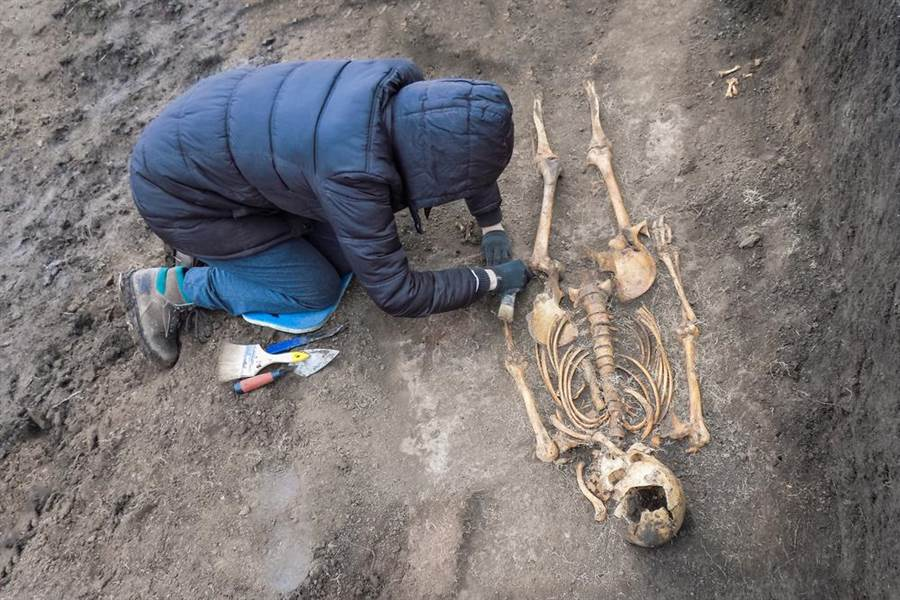 少女過世18年屍骨消失 姐痛哭:被偷去配陰婚(示意圖/達志影像)