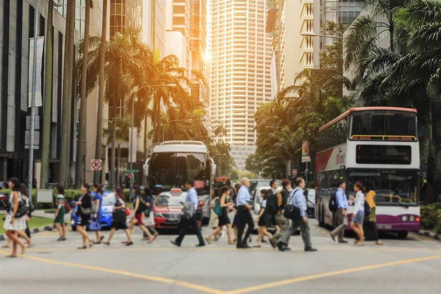 新加坡買車養車很貴,大大提升新加坡成為最貴城市的排名。(達志影像/shutterstock)