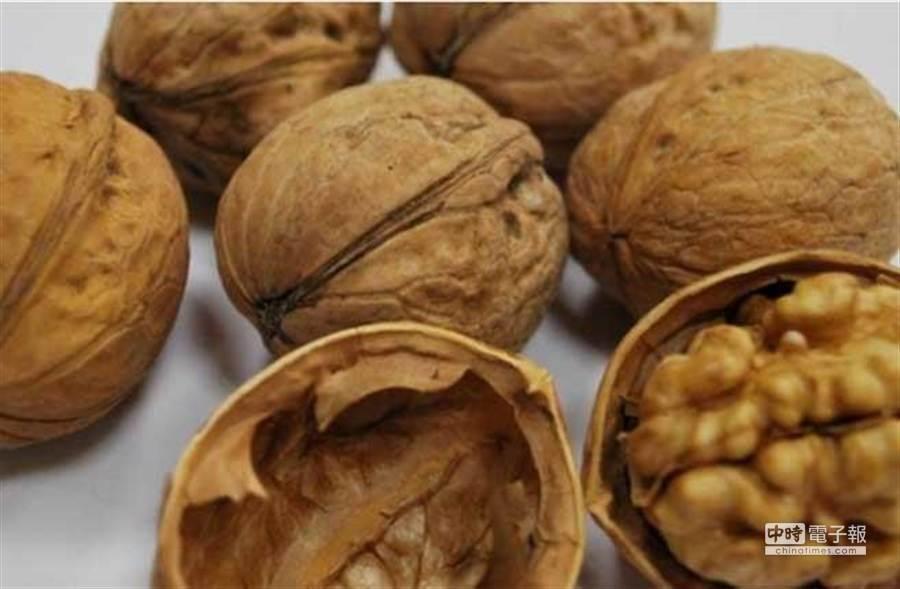 堅果類營養價值雖高,但配到某些食物恐有副作用 (圖/本報資料照)