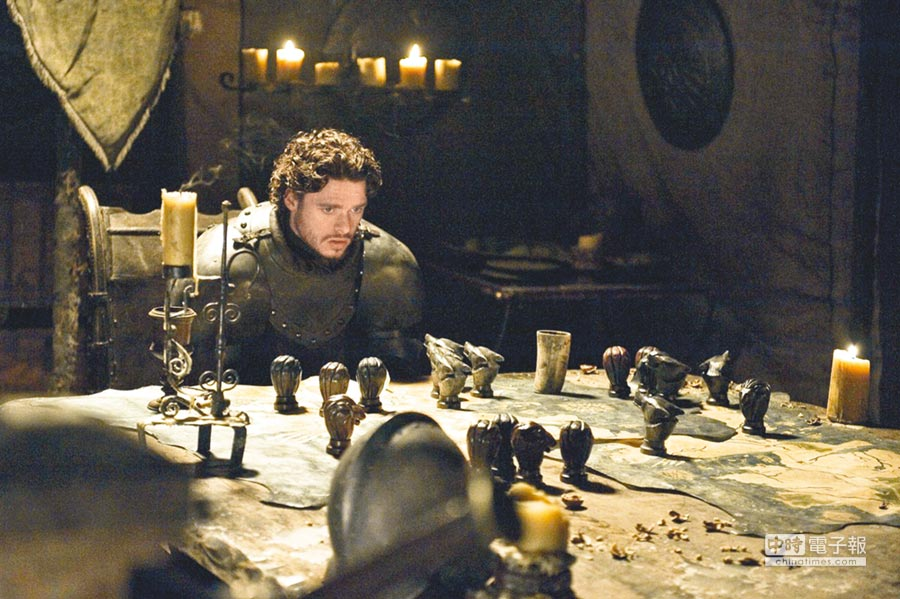 美劇《冰與火之歌:權力遊戲》描寫七大王國的王權之爭。(取自豆瓣網)