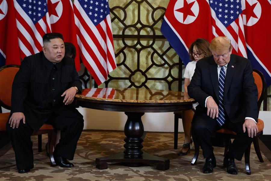 今年2月28日美國總統川普與北韓領導人金正恩舉行會談。(圖/美聯社)