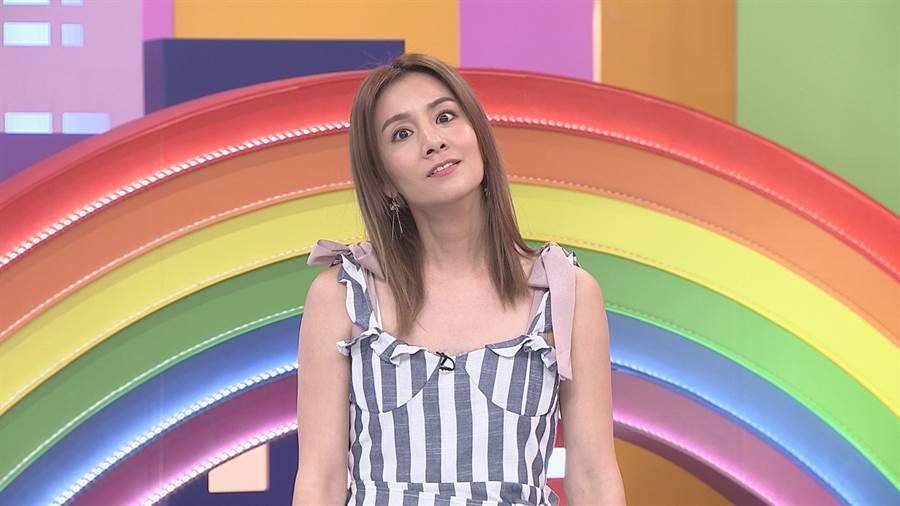 莎莎在節目中大談出國初吻經驗。(圖片提供:八大)