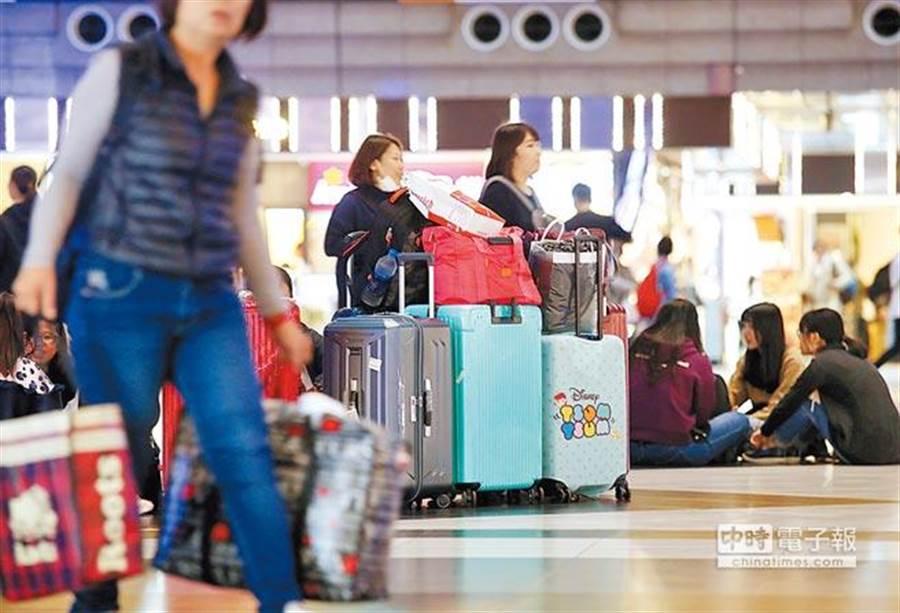 旅宿業者若未替團員投保責任保險,可處3萬50萬元罰鍰。(報系資料照)