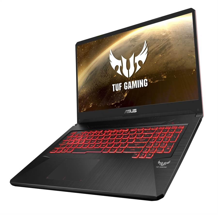 ASUS TUF Gaming FX705採用媲美桌上型電腦的RGB背光鍵盤,特別針對遊戲進行最佳化,可自訂個人化色彩與效果。(圖/華碩提供)