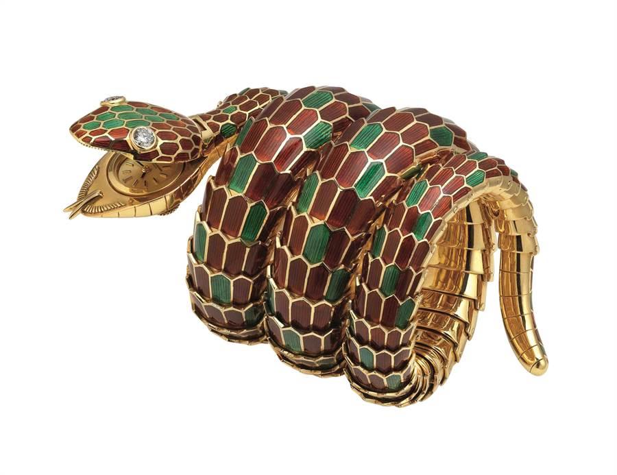 寶格麗Heritage典藏系列Serpenti 黃金與紅綠琺瑯手鐲腕表。(BVLGARI提供)