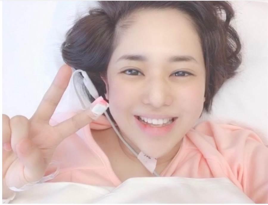 AV女優蒼井空,趕在令和元年的5月1日生下雙胞胎的男嬰。(取自AbemaTV畫面)