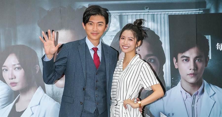 曾少宗(左)和劉倩妏宣傳新戲。(盧禕祺攝)