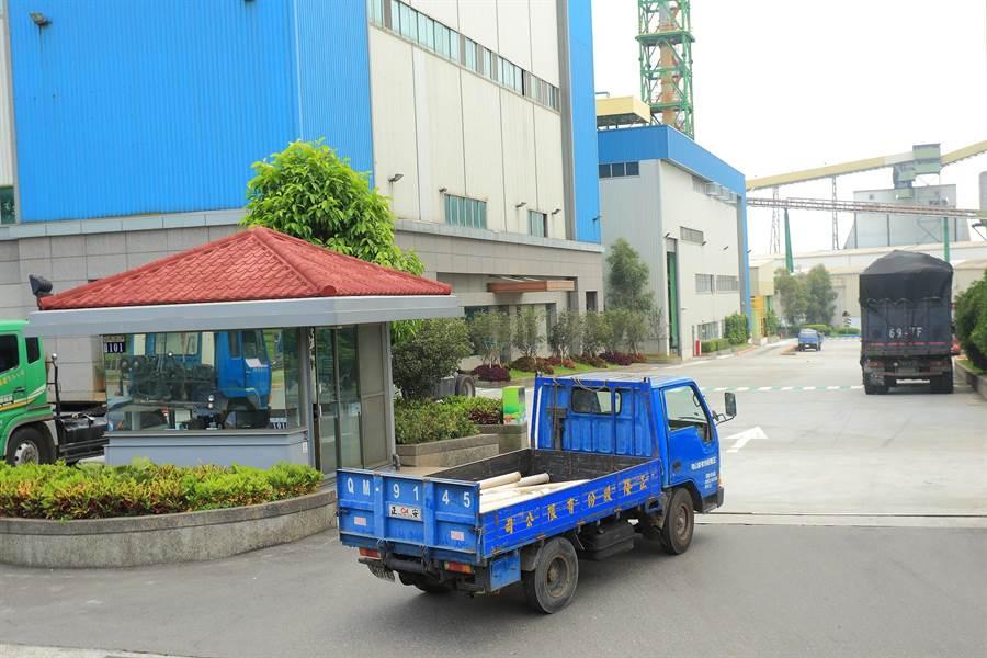 「正隆森隆活虎館」拆解後的環保紙管,運送到正隆后里廠製成各式紙製品。(正隆提供)