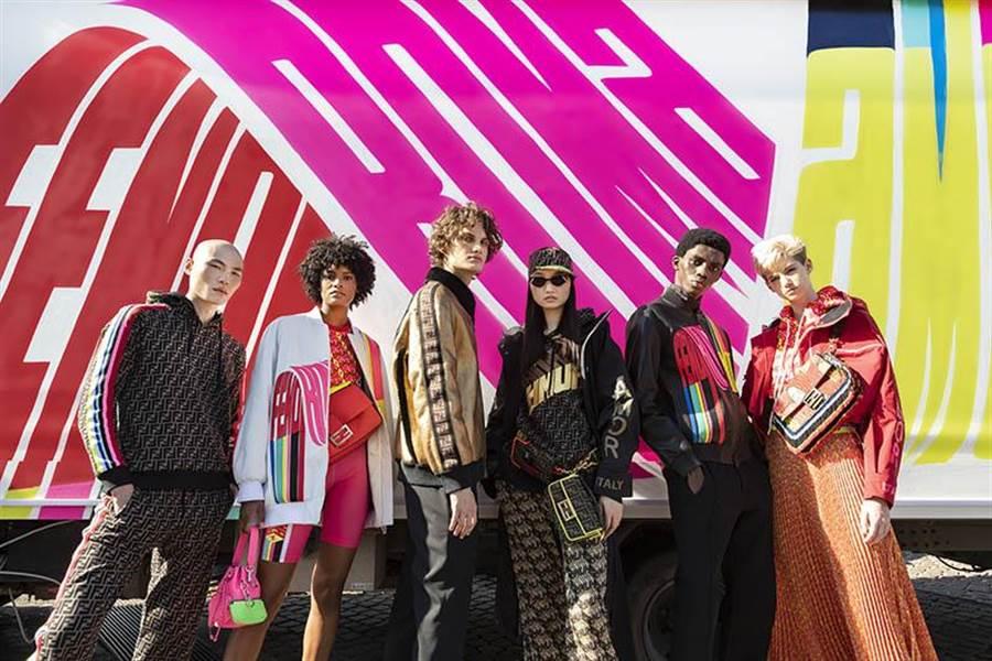 FENDI推出Selleria Roma Amor系列,象徵著玩世不恭、色彩繽紛又帶有戲謔意味的精神重新回歸。