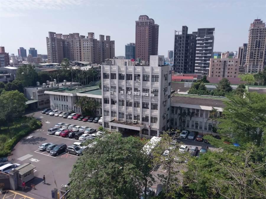 桃園市北區多位市議員盼市府第二行政園區能在舊司法園區設立。(甘嘉雯攝)