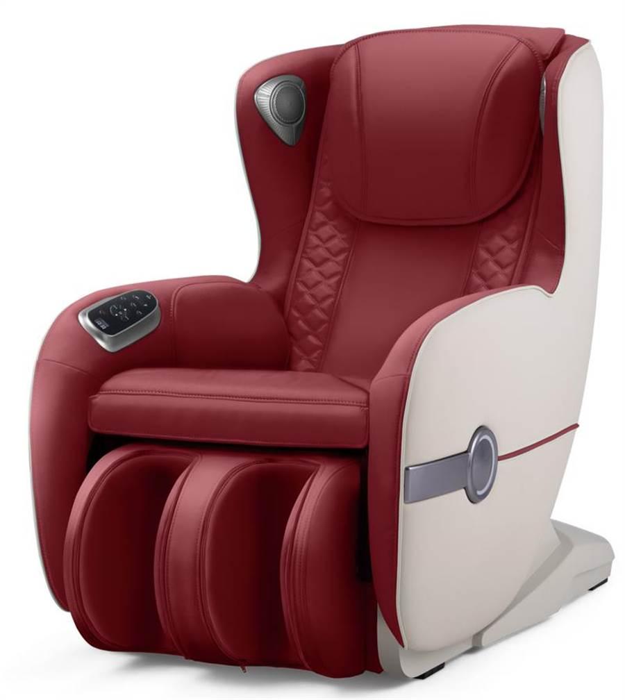 愛買「輝葉沙發按摩椅HY-3067A」,7日前原價4萬9800元、特價3萬3333元。(愛買提供)