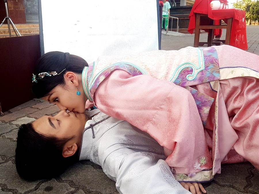 陈子玄、温哲轩有吻戏。