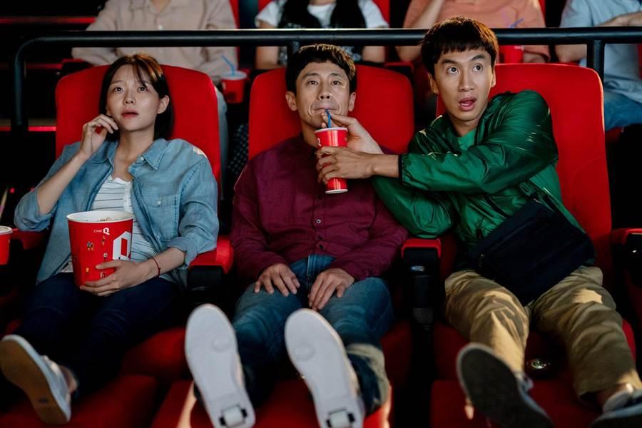 本片由李絮(左起)、申河均、李光洙領銜主演。(采昌國際多媒體提供)