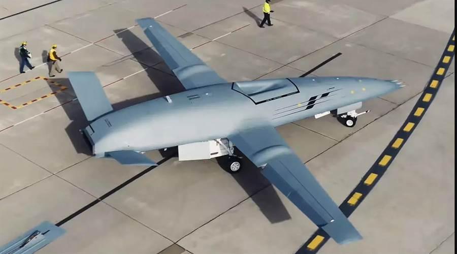MQ-25的長度與F/A-18相當,翼展則更長。(圖/波音)