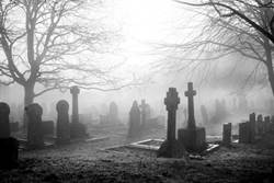 瘋男嗨挖百年前墳墓 偷骨頭熬湯喝
