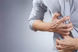 腹脹反胃?這6種人胃癌高危險群