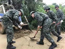 蘇貞昌突發奇想 指示國防部設計官兵救災服裝 惹議論