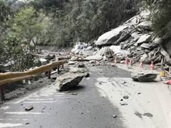 連續大雨 台8線關原至洛韶路段夜間預警性封路
